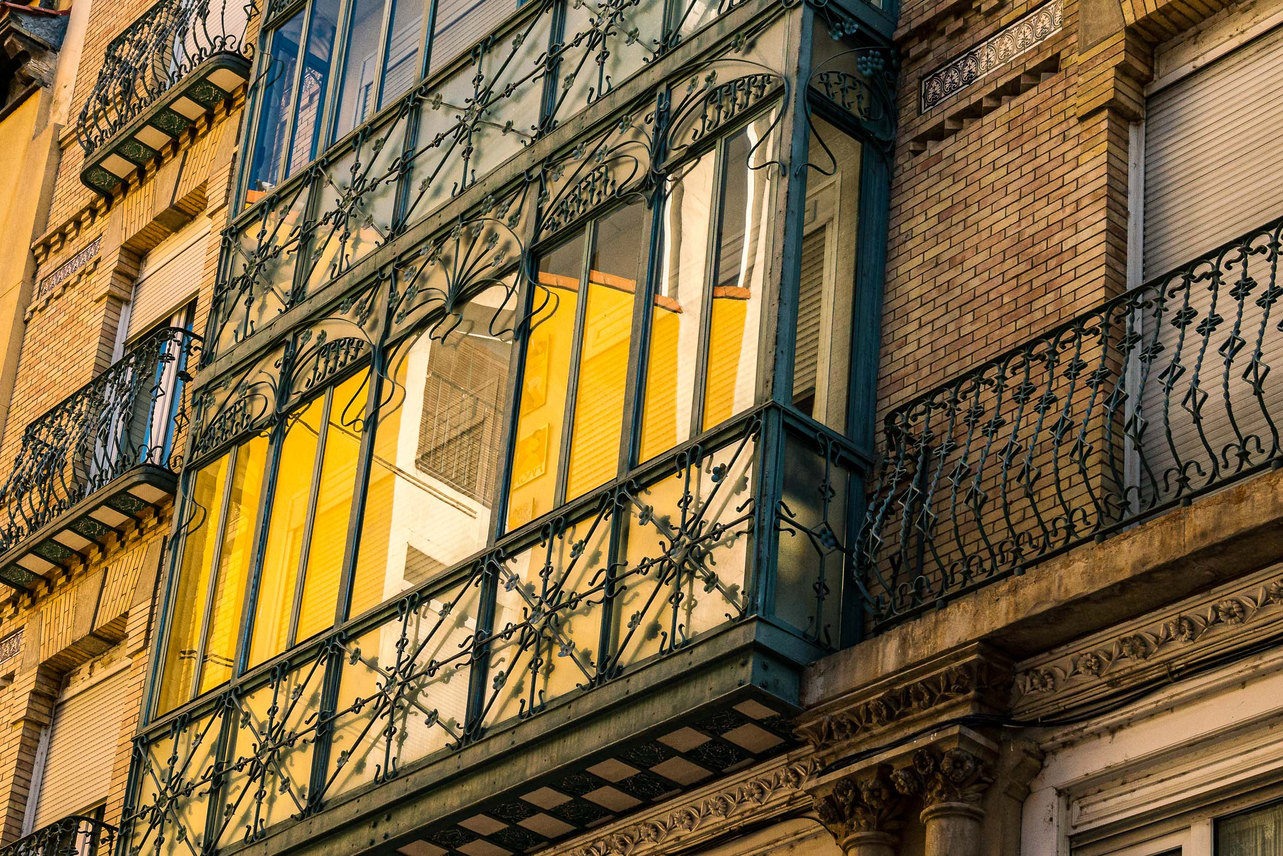 Travel and street photography of Zaragoza, Aragon, Spain made by New York photographer Mary Catherine Messner (mcmessner).